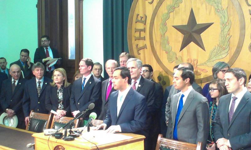 Texas Democrats, led by U.S. Congressman Joaquín Castro at the podium and his brother Julián, held a press conference Monday to talk about Medicaid expansion.