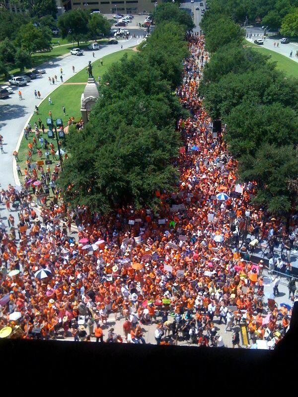 The flood of people that swarmed the capitol in the days after Sen. Wendy Davis' filibuster at the end of June had slowed to a trickle by Monday's event.