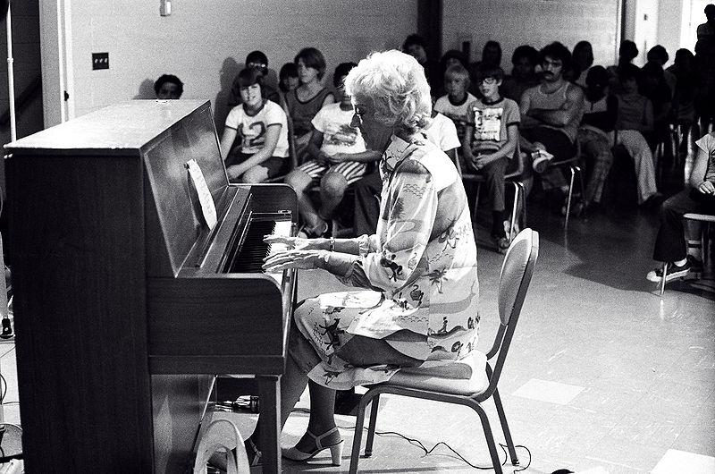 "Marian McPartland playing ""The Great American Songbook"" for young listeners"