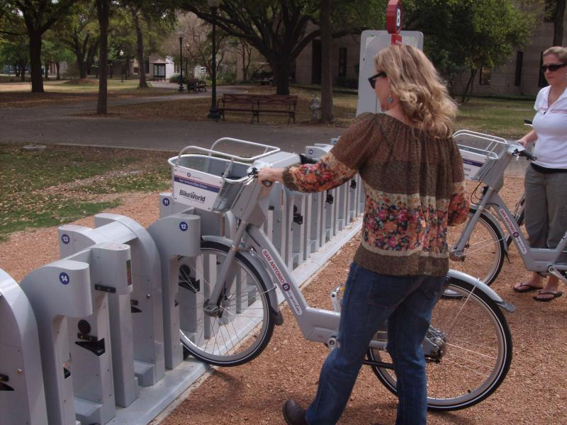 The TPIRG study shows programs like San Antonio's B-Cycle are having an impact on total driving miles in Texas.