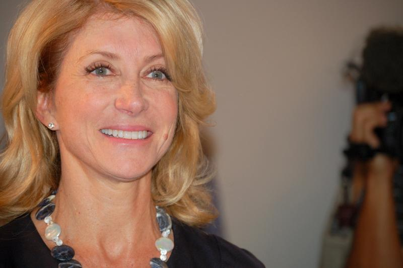 Gubernatorial candidate Wendy Davis toured Rackspace Cloud Computing and told employees that Texas needs a change.