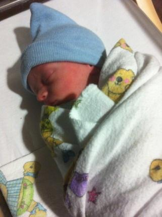 Ian Andrew Barton was born at 1:19 a.m. Thursday to Councilwoman Shirley Gonzales.