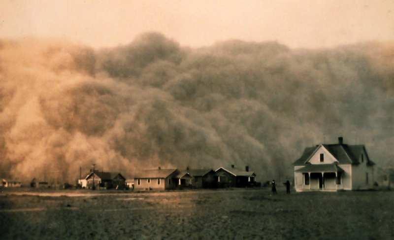 Dust storm approaching Stratford, Texas, 1935.