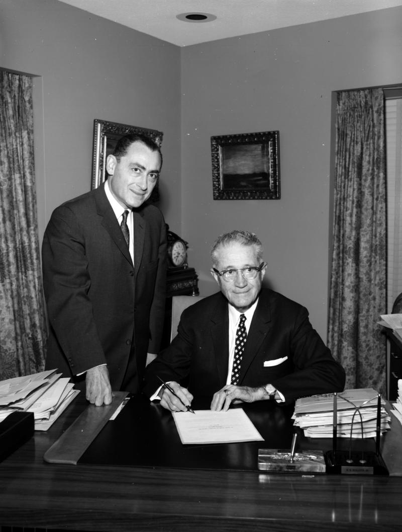 Bill Sinkin (left) and Mayor W.W. McAllister.
