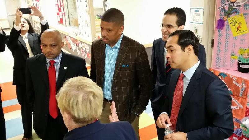 From left, Mayors Michael Hancock of Denver, Kevin Johnson of Sacramento, Angel Taveras of Providence, and Julián Castro speak with Pre-K 4 SA CEO Kathy Bruck during the MEET stop in San Antonio.