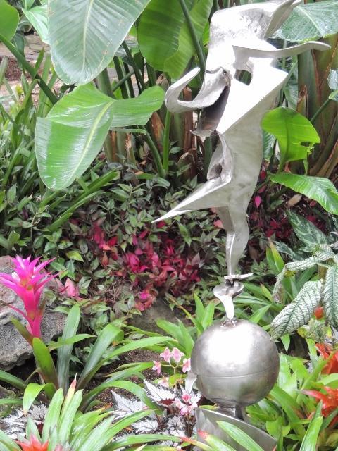 Richard Hunt Sculpture