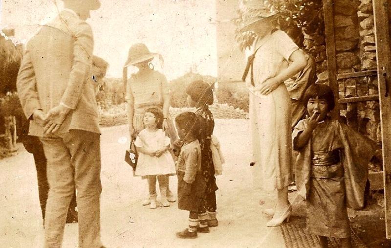 Jingu children with park visitors