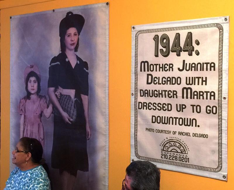 Fotohistorias exhibit at Esperanza