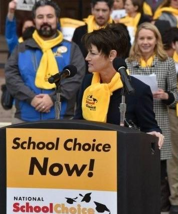 Sen. Donna Campbell speaking at 2015 school choice rally