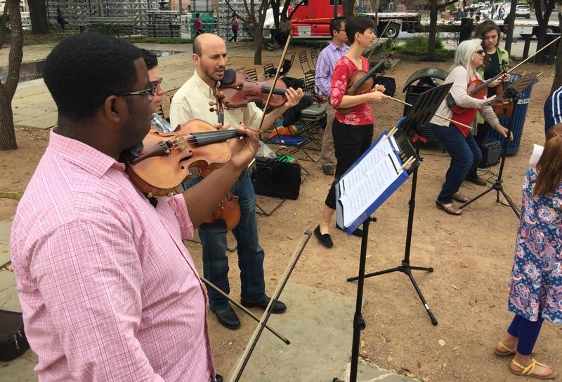 musicians at Main Plaza