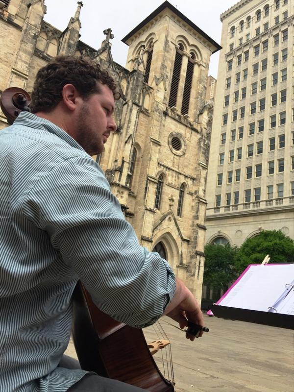 musician at Main Plaza