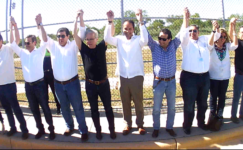 Rep Will Hurd (R-San Antonio) with others show their support for U.S. Mexico border unity.