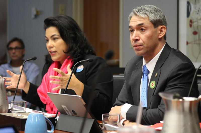San Antonio Mayor Ron Nirenberg sits next to council woman Rebecca Viagran at a B-session councilmeeting