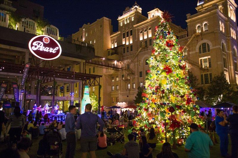 holidays at the pearl - The Christmas Pearl