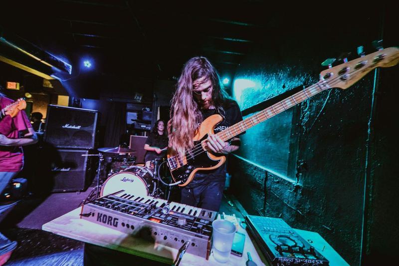Verisimilitude performing at Ventura San Antonio