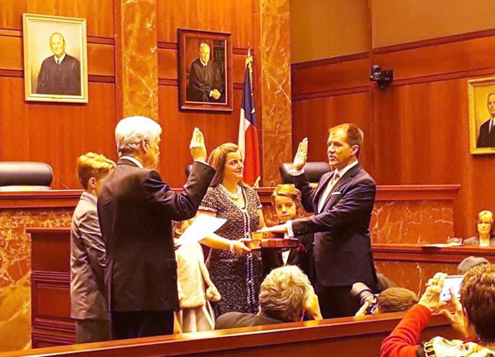 Judge Don Willett, on right, being sworn in as U.S. 5th Circuit Court appeallate judge.