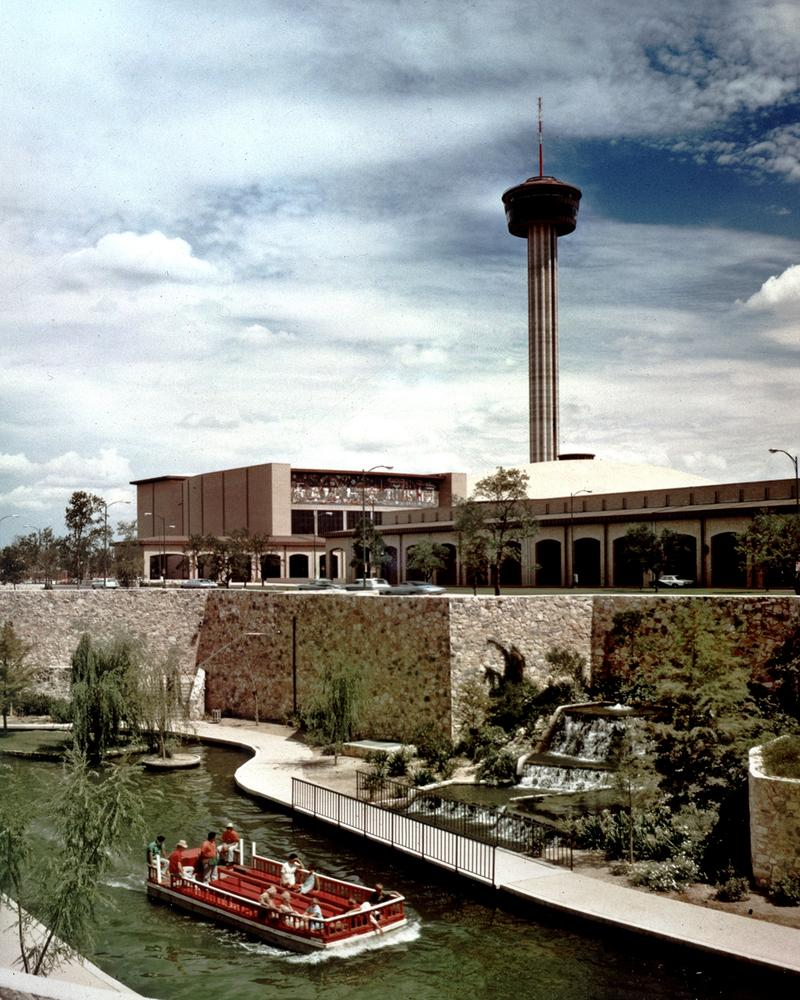new river walk leads to Hemisfair from downtown