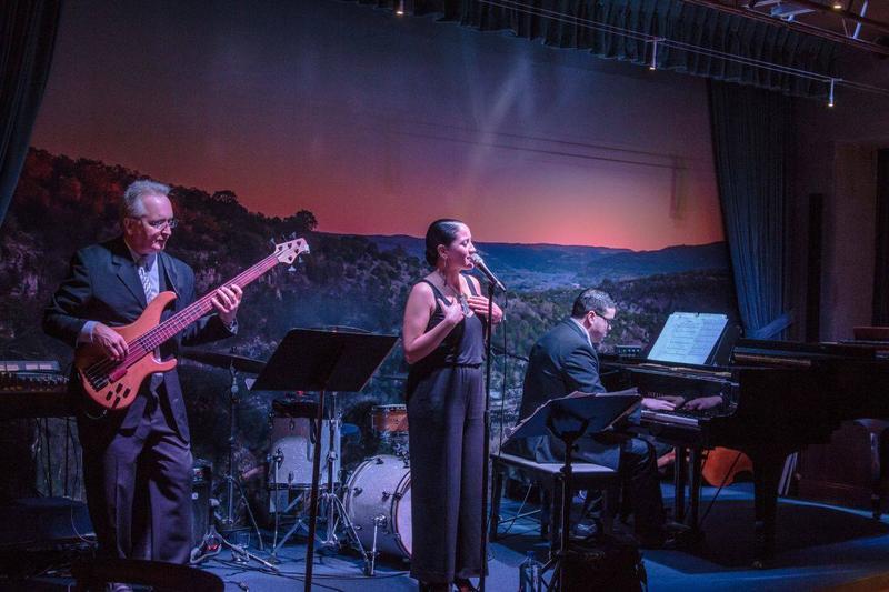 Jacqueline Sotelo (center) sings at Jazz, TX.