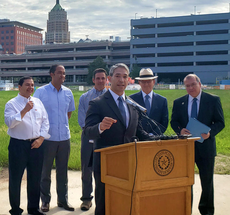 San Antonio Mayor Ron Nirenberg, front, discusses the new federal courthouse.  Pictured in back, from left, are congressmen Henry Cuellar, D-Texas; Will Hurd, R-Texas; and Tom Graves, R-Georgia; and judges Nelson Wolff and Xavier Rodriguez. 9/24/18
