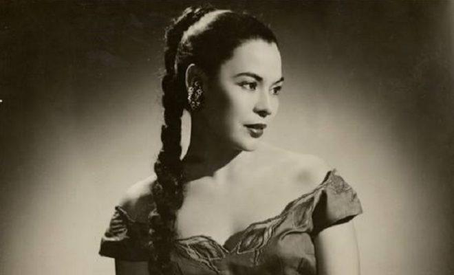 Rosita Fernandez, a Mexican American singer and actress, was one of the multiple artists who performed at the Alameda Theater.