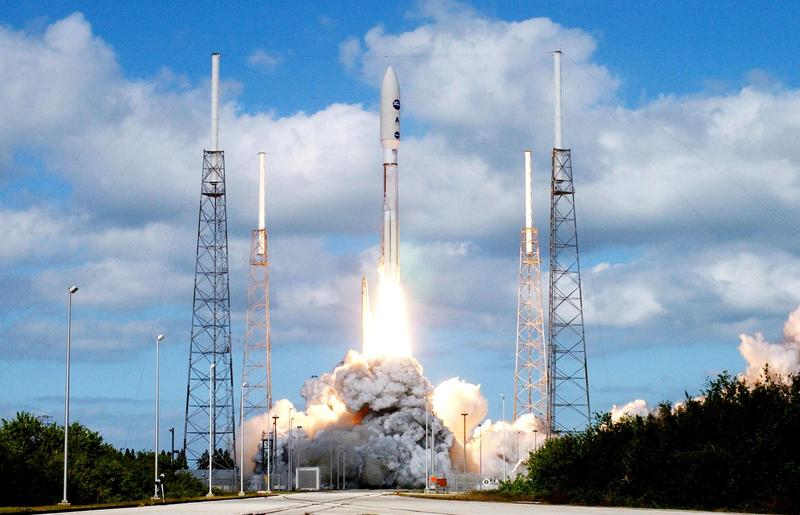 An Atlas V rocket leaves Cape Canaveral carrying New Horizons Jan. 19, 2006