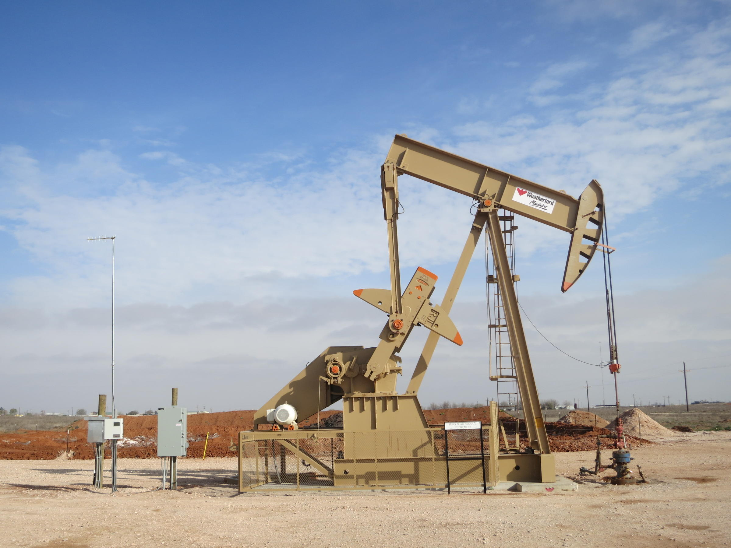Oilfield Jobs Rig Assistant Corod Odessa Tx: Fronteras: Oilfield Theft, Pipeline Battles And Honoring A