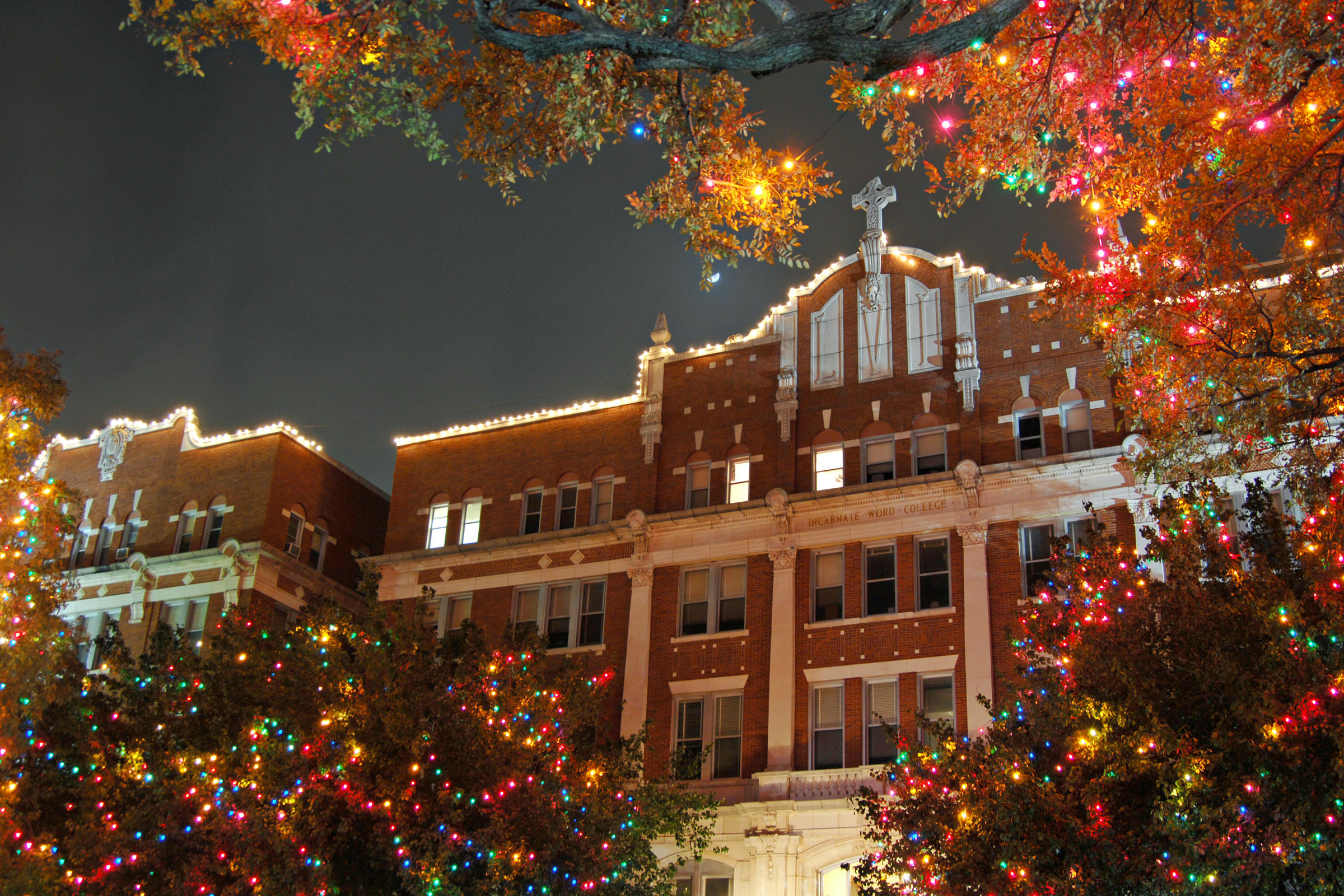Winter Blows In Just In Time For Holiday Events | Texas Public Radio