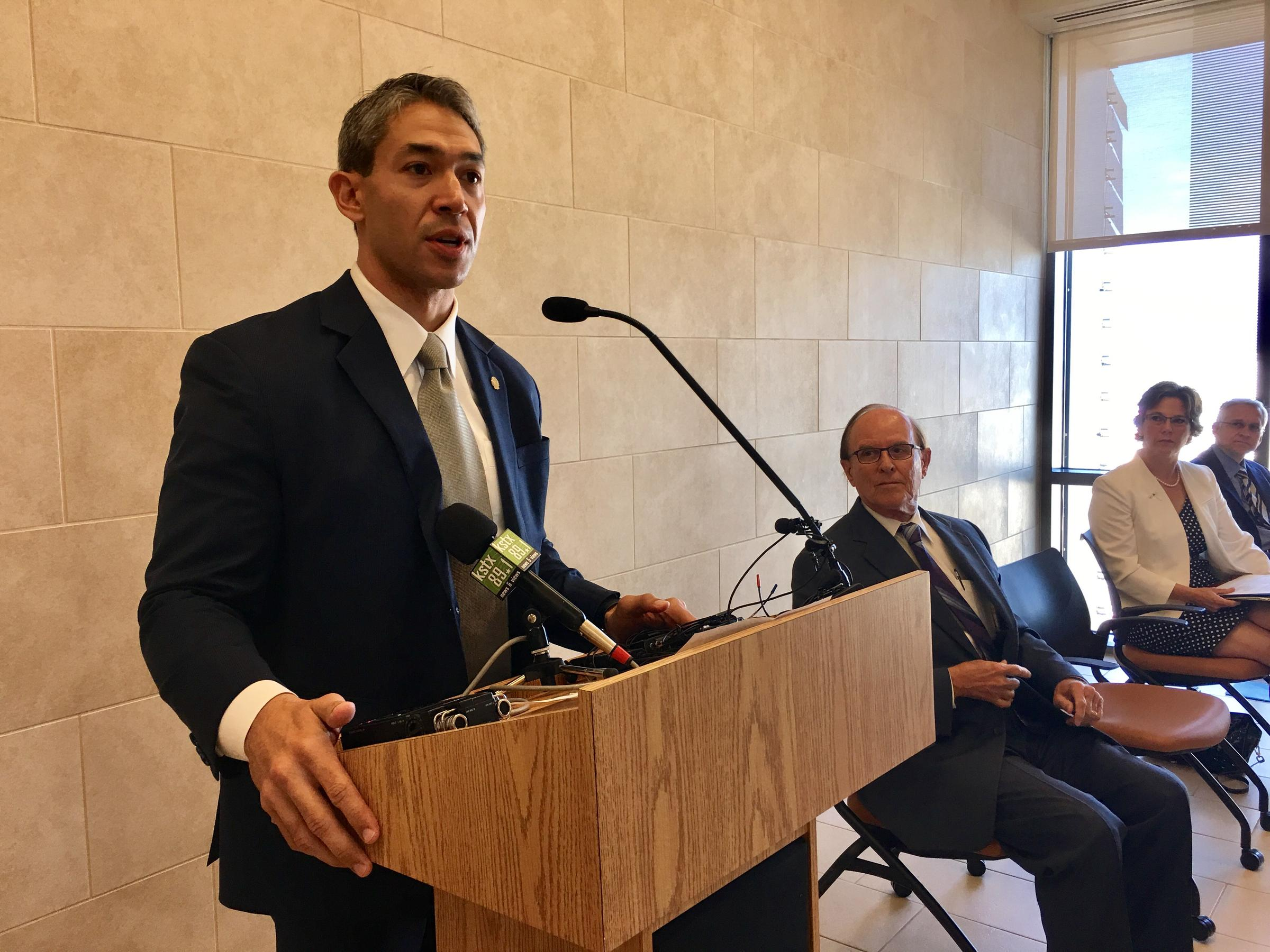 Bexar county physical therapy - San Antonio Mayor Ron Nirenberg Calls The Opioid Epidemic An Insidious Problem