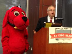 AR Kids Read Director Charlie Conklin with Clifford the Big Red Dog