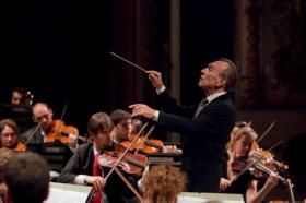 Claudio Abbado conducts the Chicago Symphony Orchestra
