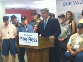 Mike Ross speaks to supporters about his priorities for aiding veterans.