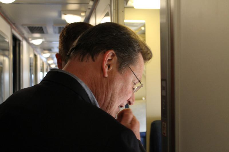 Little Rock Mayor Mark Stodola tours an Amtrak sleeper car.
