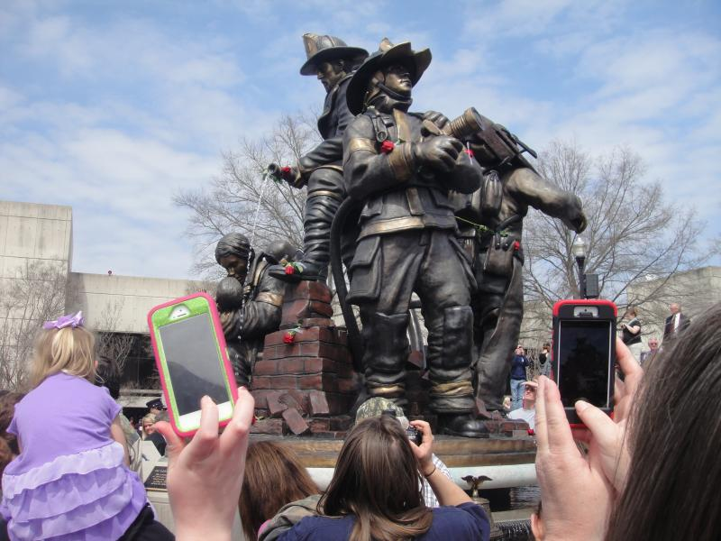 The statue and fountain to honor fallen firefighters.