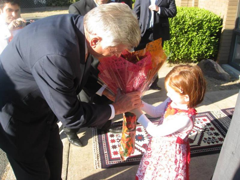 Governor Beebe Visits Raindrop House
