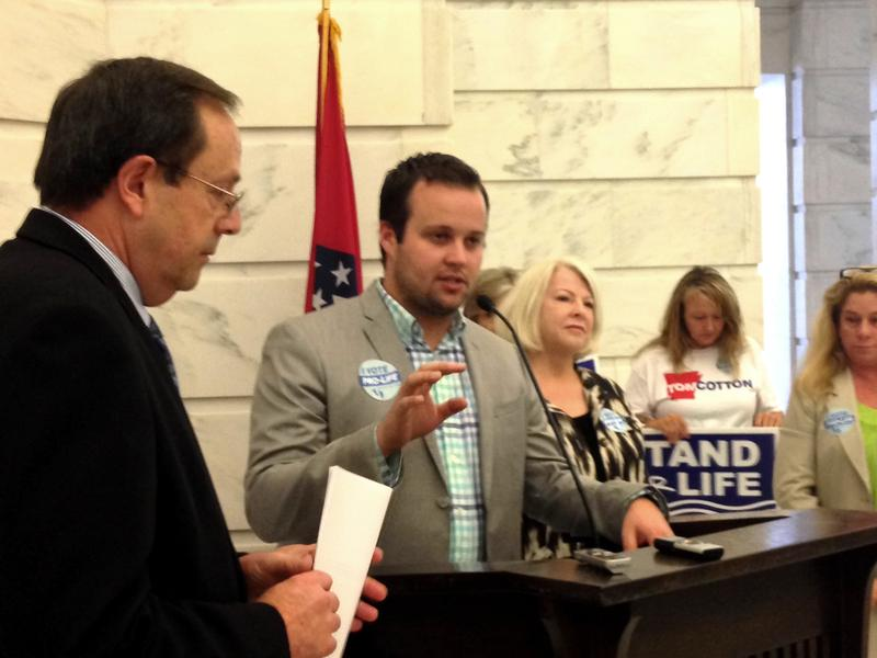 Anti-abortion rally josh duggar