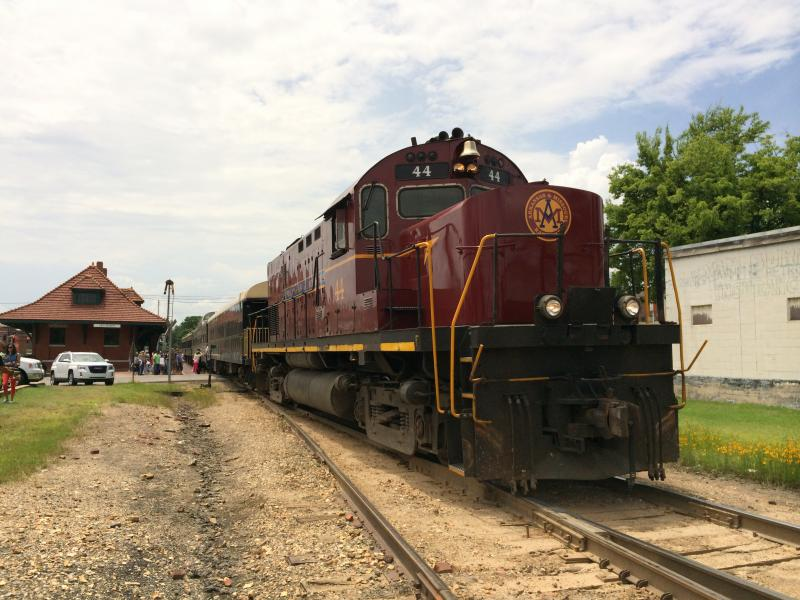 Arkansas and Missouri Railroad excursion train