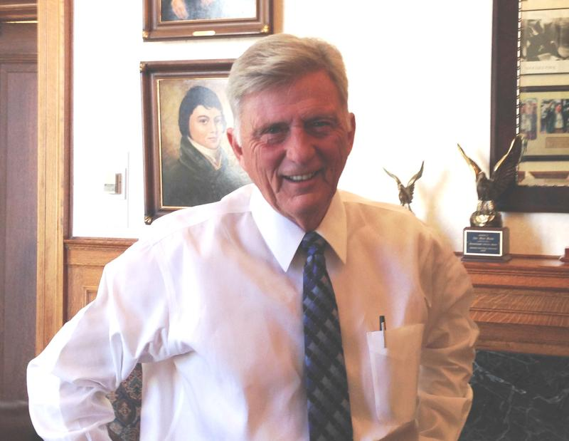 Governor Mike Beebe in his office.