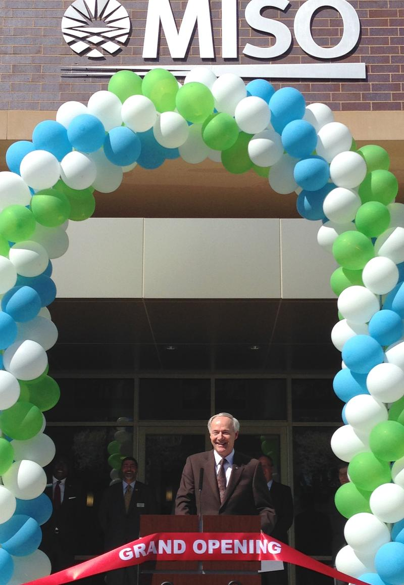 Gov. Asa Hutchinson (R) speaking at a ribbon cutting for MISO in March 2015 before the facility was fully online.