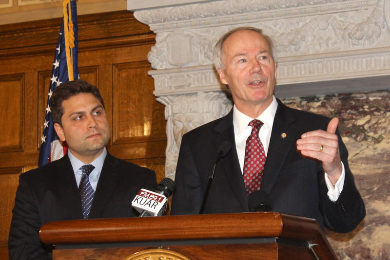 Left to right: Senate President Jonathan Dismang (R-Searcy) and Governor Asa Hutchinson (R).