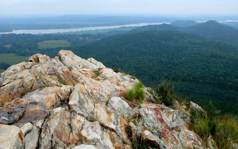 Pinnacle Mountain marks the very end of the Ouachita Mountain range, which, unlike most other mountain ranges in the United States, runs east to west rather than north to south.