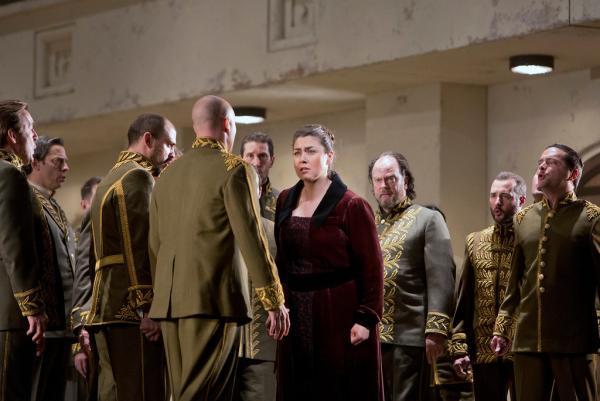 """Oksana Dyka as Yaroslavna in Borodin's """"Prince Igor."""""""