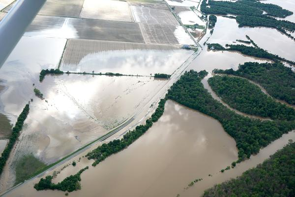 Levee in Arkansas fails as flooding threatens South, Midwest