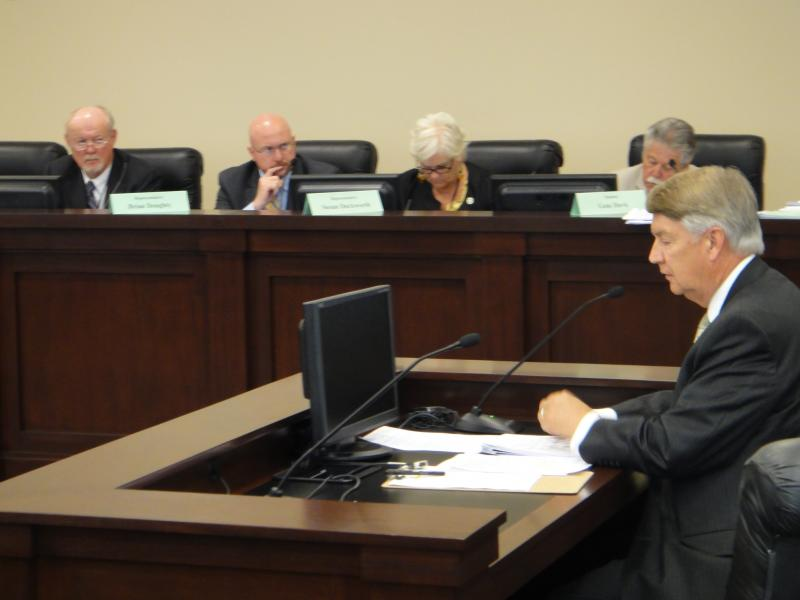 Sen. John Valentine testifying before the Business and Labor interim committee.