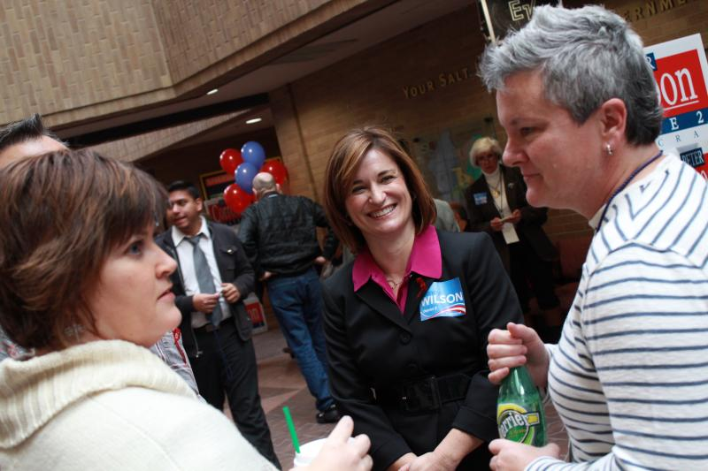 Candidate Jenny Wilson talks with delegates