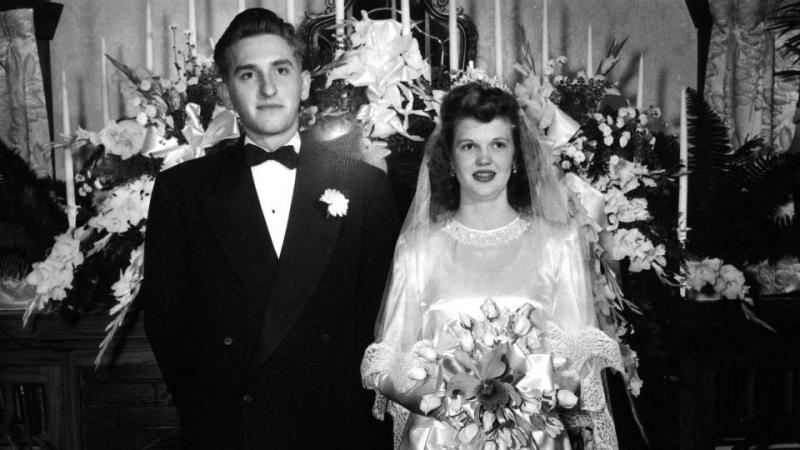 Thomas and Frances Monson on their wedding day in 1948