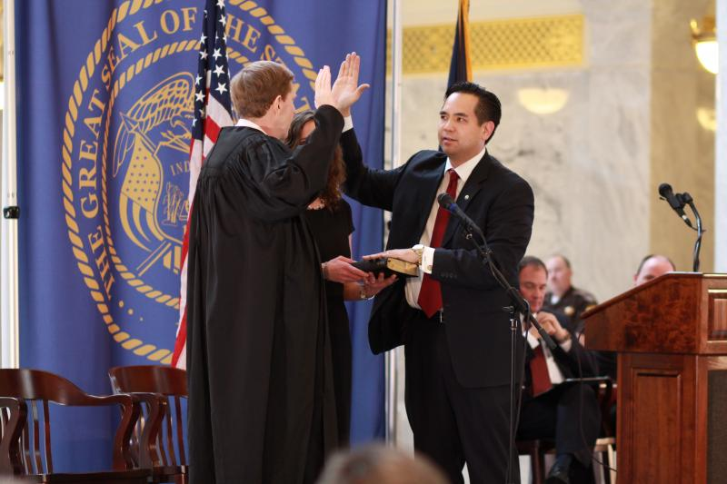 Sean Reyes repeates the Oath of Office