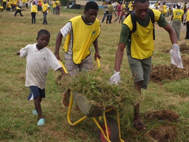 Mormons in Ghana work on a community service project.