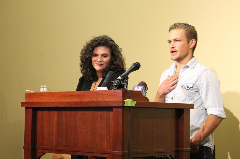 Jennifer and Sam Plumb talk about Utah Naloxone and the effort to prevent drug overdose deaths at the Utah Capitol. (September 1, 2015)