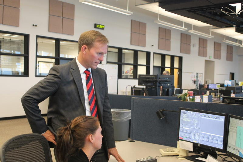 Salt Lake County Mayor Ben McAdams visits with CT Dispatcher Krystle Galloway.