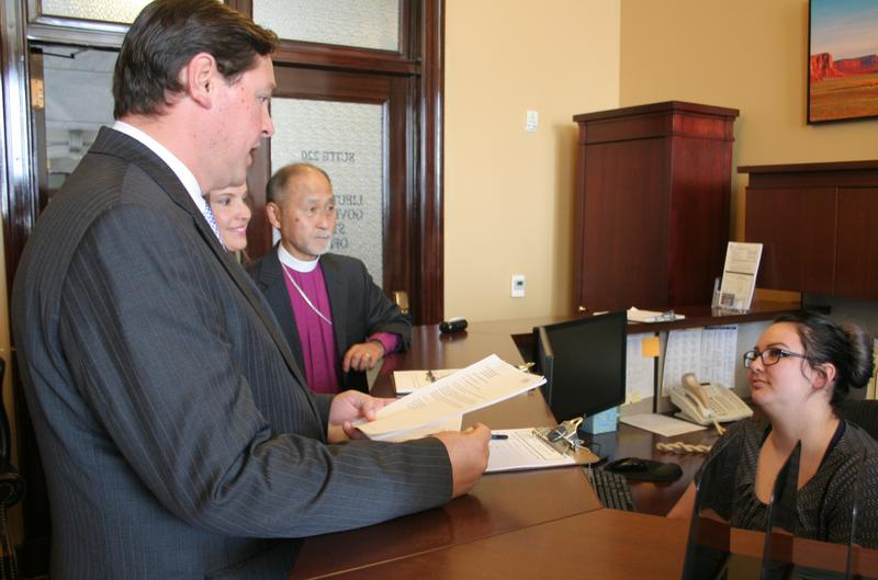 Ballot initiative supporters filed their proposal with the Lieutinant Governor's office on Monday.